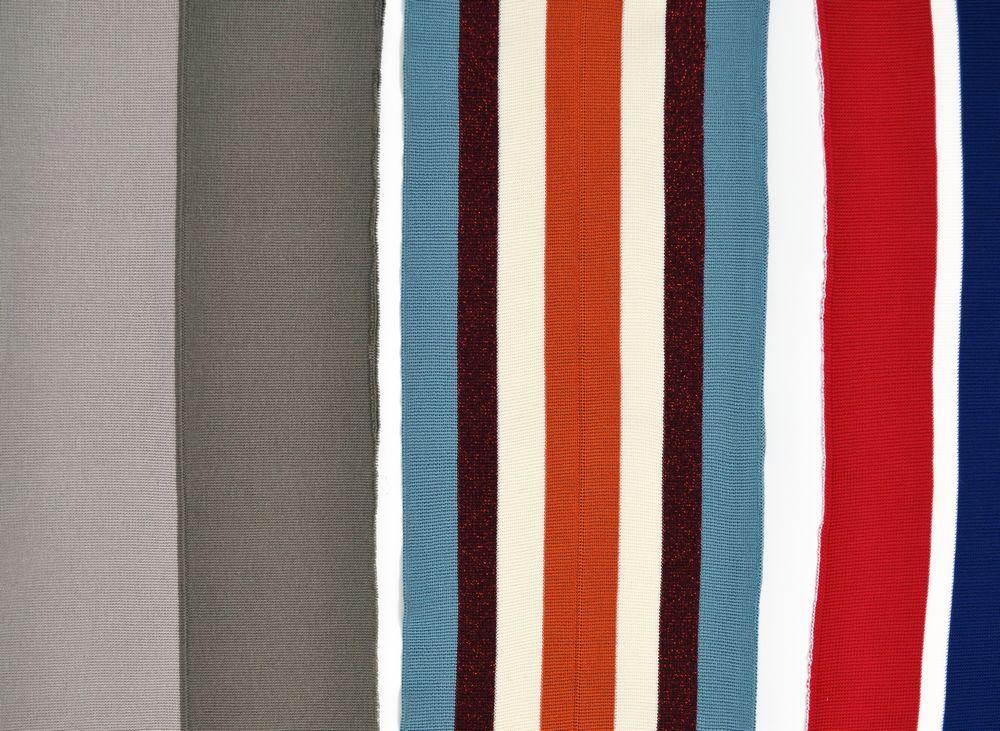Produzione di bordature e rifiniture in maglia